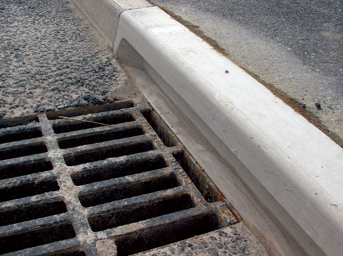 ACO Wildlife Kerb With Drain Detail